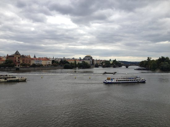 Jurys Inn Hotel Prague:                   view of valtava river, cruises