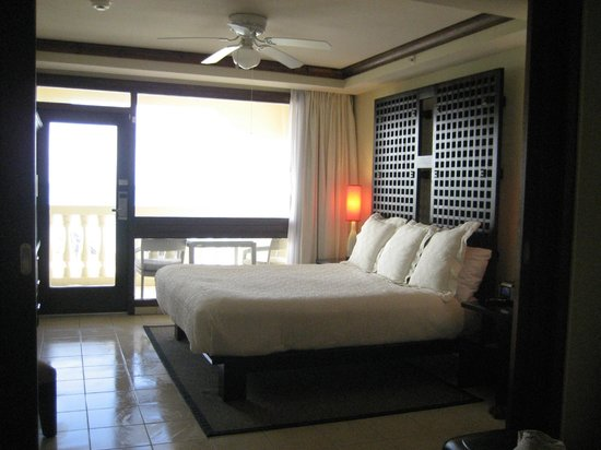 Bucuti & Tara Beach Resort Aruba:                   bedroom area