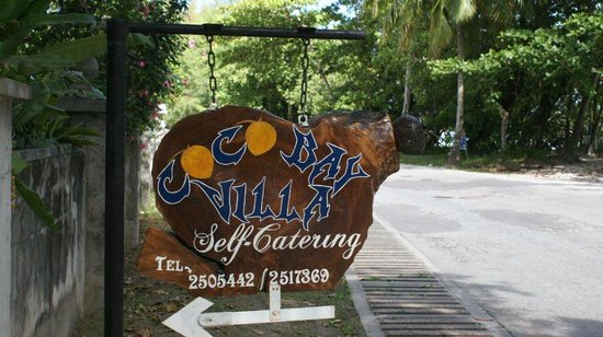 Coco Bay Villa:                                     Entrance from the street