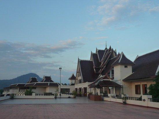 Pavilion Queen's Bay:                   restaurant au 6emes etages