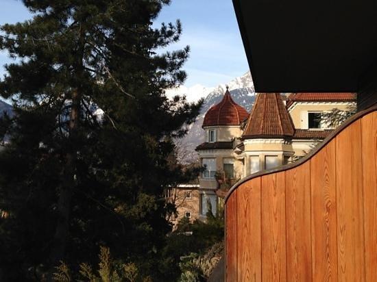 Hotel Garni Aster: scorcio sul lato destro del balcone