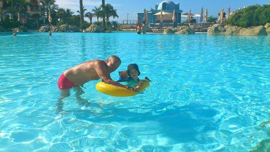 Lopesan Villa del Conde Resort & Corallium Thalasso:                   Main pool at Villa del Conde.
