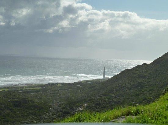 Slangkop Point Lighthouse:                   Slangkop vanaf Chapman's Peak Drive