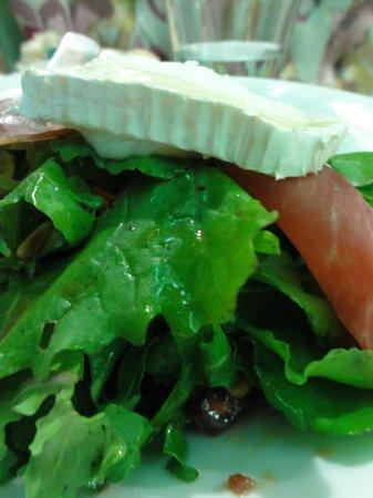 Skoufos & Oinos:                   Tasty winter salad