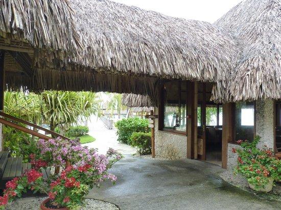 InterContinental Bora Bora Le Moana Resort:                   Entrée de l'hôtel