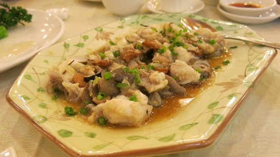 Very Good Seafood Restaurnat:                   Karpe servert med sopp og hvitløk