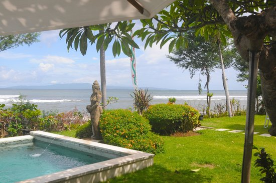 Villa Puri Purnama:                   Surfbreak out front