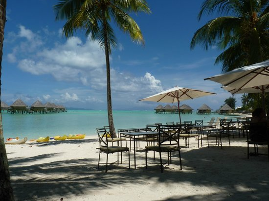 InterContinental Bora Bora Le Moana Resort:                   restaurant de la plage