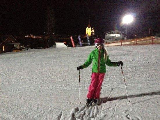 Riezler Hof:                   Ski fahren mit Junior-Chefin sehr gut