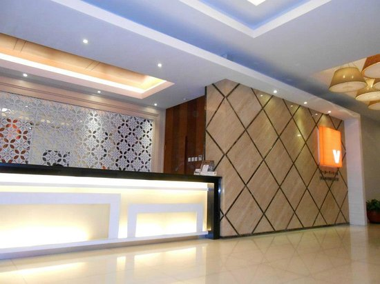 V Hotel & Residence : the reception area