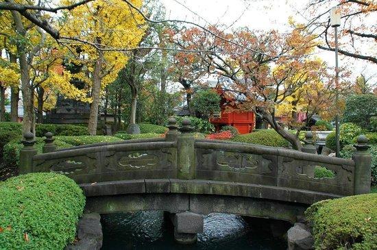 Senso-ji Temple: Sensoji Temple