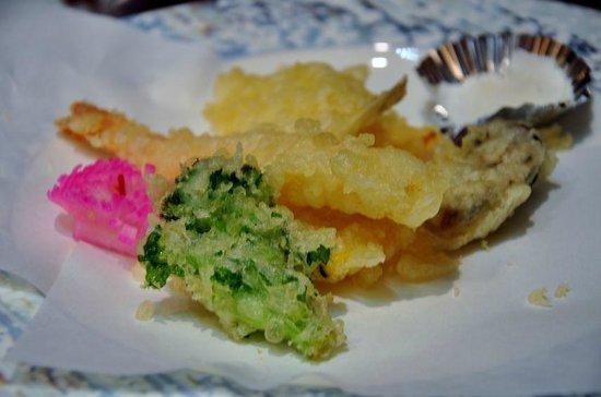 Sennomori : 8種類の素材から4種類を選択して揚げたてを食す