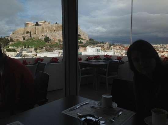 The Athens Gate Hotel: View from breakfast up in the roof garden of the hotel!