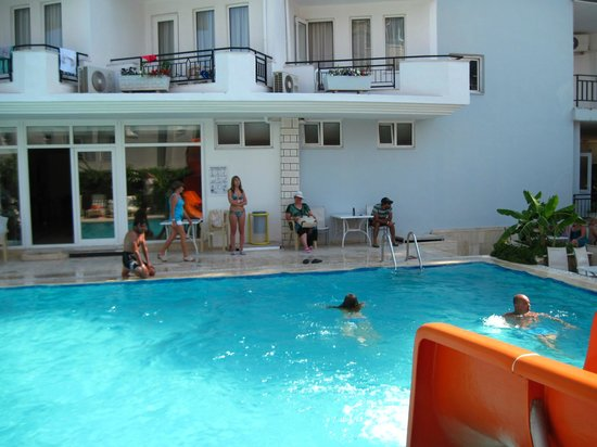 Endam Hotel:                   Бассейн отеля