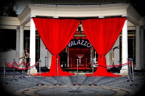Palazzo Versace:                   Hotel Entry NYE 2013