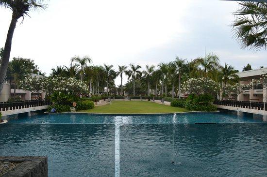 Sheraton Hua Hin Resort & Spa:                   Pool View
