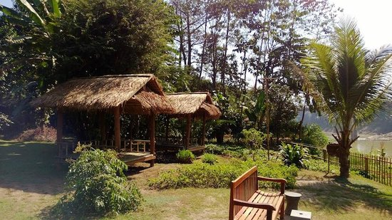 My Dream Boutique Resort:                   Bamboo huts overlooking the river