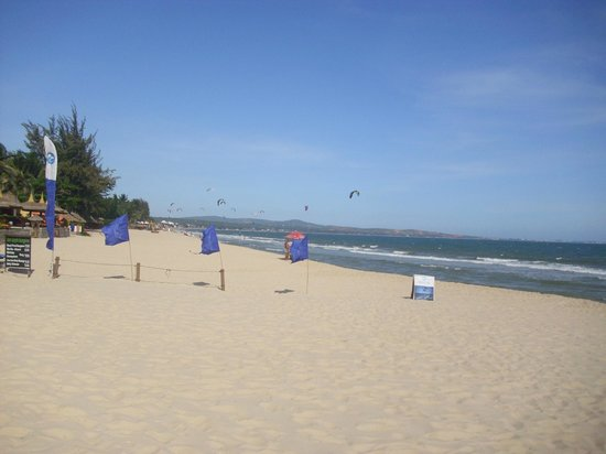 Mia Resort Mui Ne:                   beach