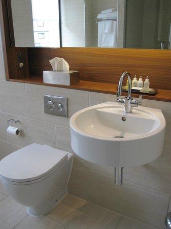 Apex Waterloo Place Hotel:                   Bathroom