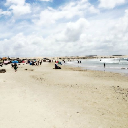 Hosteria La Perla: La playa delante de la habitación