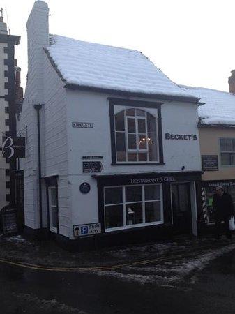 Becket's Restaurant & Grill:                   super quaint , Lv it :))