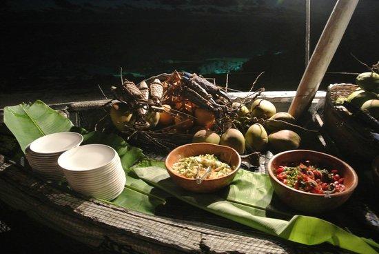 Shanti Maurice - A Nira Resort:                   Event am Strand, wenig Auswahl für das, dass es alle 3 Tage wiederholt. ..