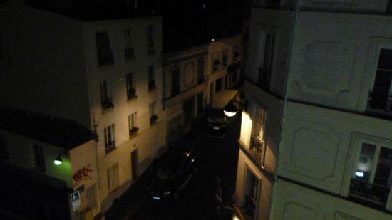 Comfort Hotel Place du Tertre: Habitacion