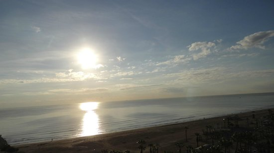 Sun Hall Hotel: Sunrise -a picture taken from my room