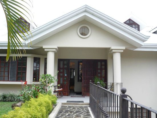 Casa Isabella Costa Rica:                   Casa Isabella - entrance