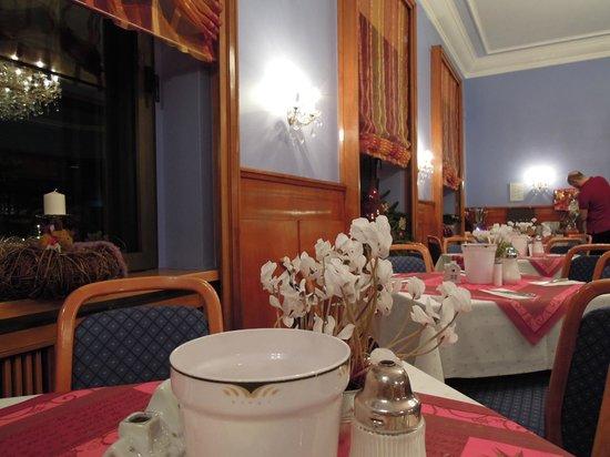 Top Hotel Amberger:                   食堂