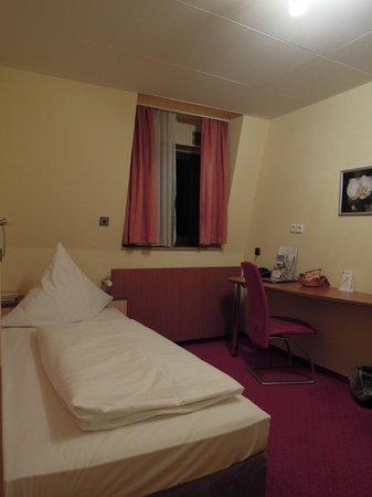 Top Hotel Amberger:                   客室