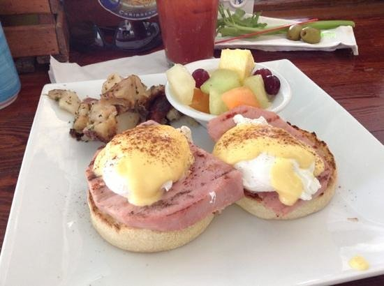 Southernmost Beach Cafe: Eggs Benedict