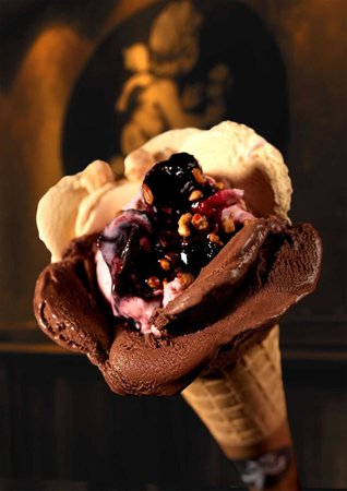 Amorino Baixa: Rose-shaped ice cream