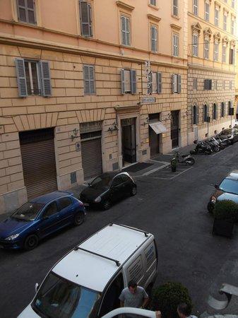 Hotel Villafranca: Street