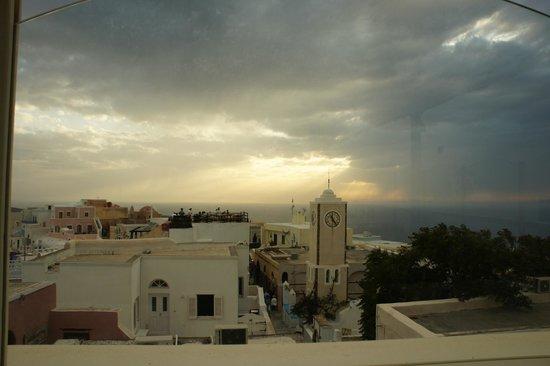 Thirasia: sunset
