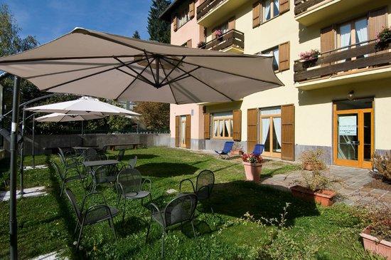Residence Stella Alpina: Giardino