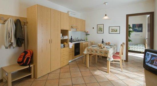 Residence Stella Alpina: Appartamento bilocale 5 posti letto (soggiorno)