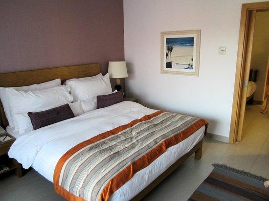 Movenpick Resort & Spa Tala Bay Aqaba :                   Comfortable bed