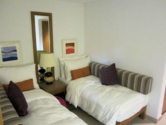 Movenpick Resort & Spa Tala Bay Aqaba :                   Separate sleeping area