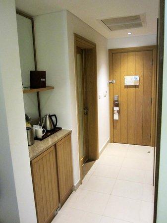 Mövenpick Resort Tala Bay Aqaba:                   Entrance with plenty of closets