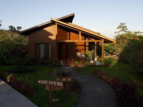 """Hotel El Silencio del Campo: Das """"Haus"""" am frühen Morgen."""
