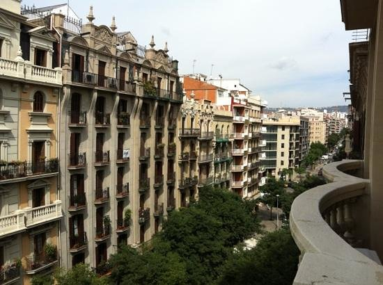 Aspasios Gran Via Suites:                   view from balcony