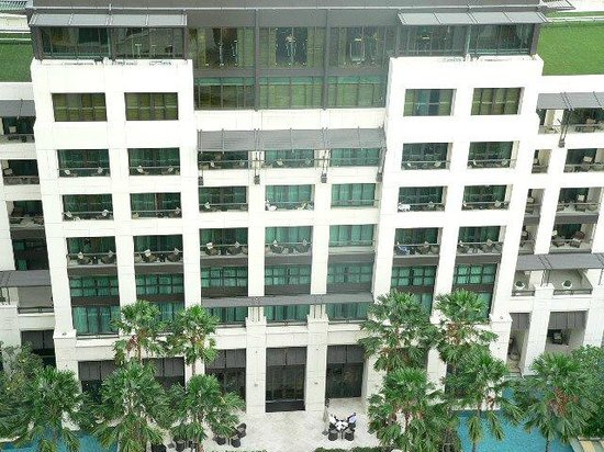 Siam Kempinski Hotel Bangkok:                   View