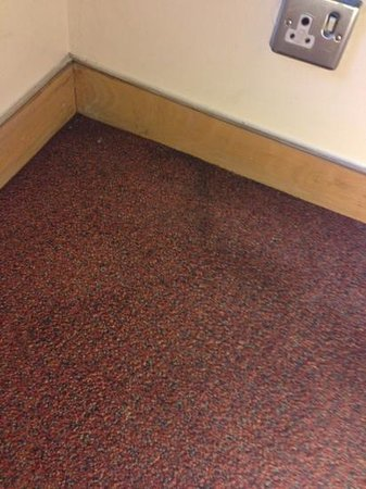 St Giles London - A St Giles Hotel:                   carpet stains