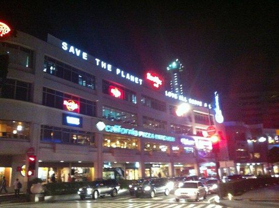 Hard Rock Cafe Manila Review