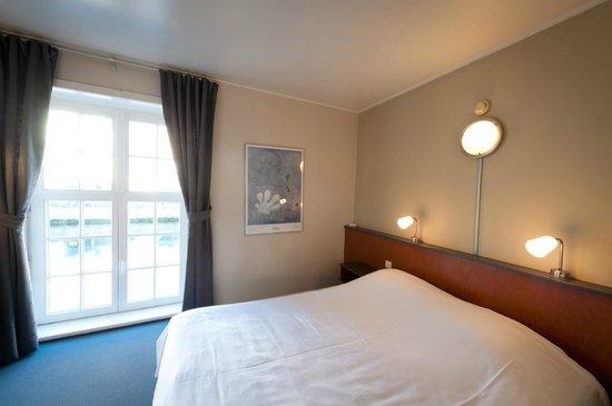 Canalview Hotel Ter Reien: tweepersoonskamer met kanaalzicht