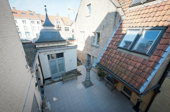 Canalview Hotel Ter Reien: zicht op het terras