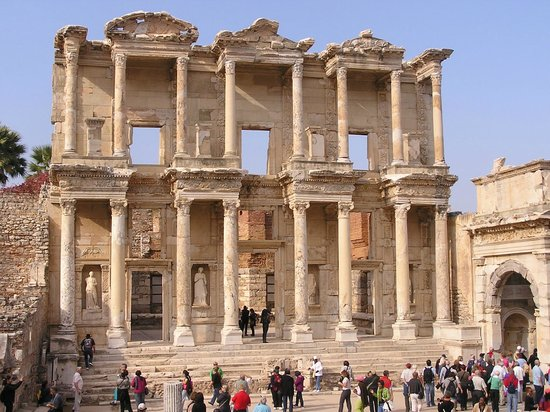 Αρχαία Πόλη Εφέσου:                                     Famous Celsus Library