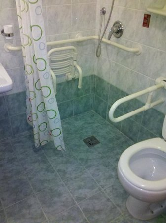 Hotel Axial:                   Bathroom of my room