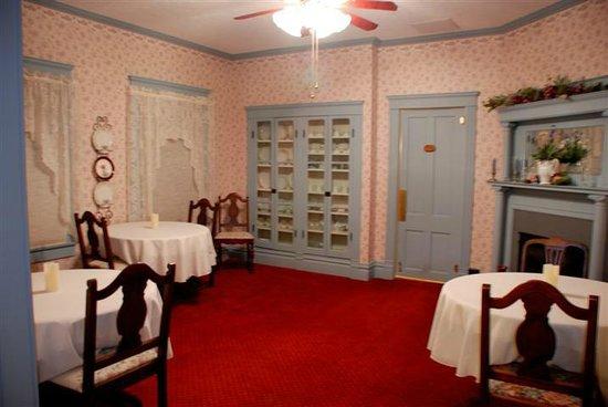 Terra Nova House B&B: Dining Room
